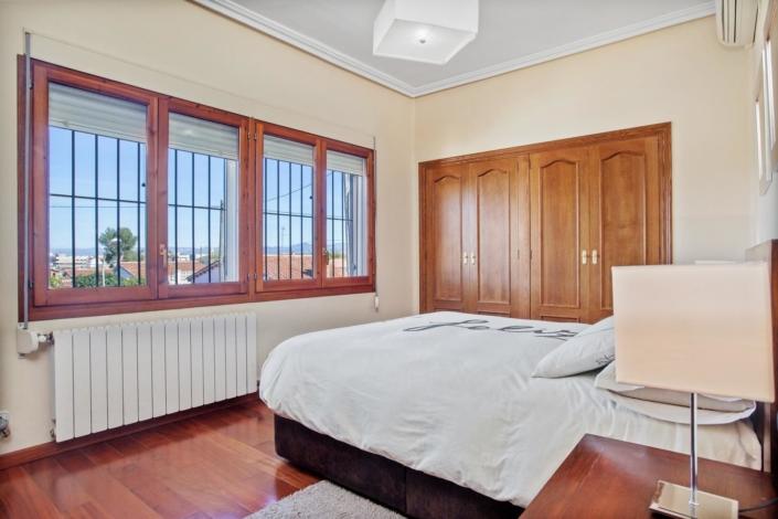 5_Imagen_dividida_1_dormitorio